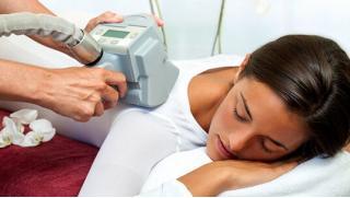 По купону массаж! 3, 5 и 10 сеансов или 3 и 6 месяцев безлимитного посещения сеансов LPG-массажа всего тела в салоне красоты «Карина»!