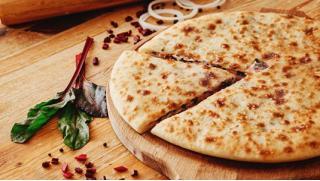 Долина, вкусная долина! Осетинские пироги и пицца с бесплатной доставкой от пекарни «Долина вкуса»! Скидка до 61%!