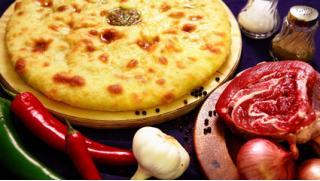 Съешь, сколько сможешь! Скидка до 82% на заказ осетинских пирогов или пицц! От 3 до 25 штук от Службы доставки Taverna!