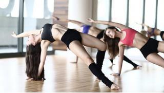 Стрип-пластика, стретчинг и танцы живота со скидкой до 68% в сети Студий Alex Dance! Займемся танцами!