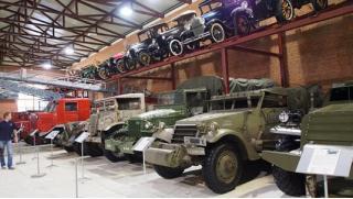 Армата, крутой танк! Программа «Армата-тур» с катанием на танке Т-14 и стрельбой из автомата АК-47 от клуба «Феникс»!