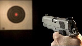 Будь как ниндзя! обучение стрельбе из пневматического оружия, лука, арбалета или метанию ножей в стрелковом клубе «Калибри»!