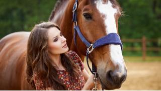 Конные прогулки для взрослых и детей! А еще романтическая или квест-прогулка на лошадях от конного двора «Космос» в Митино!
