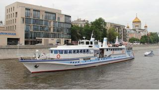 Наслаждайся летом! Прогулка по Москве-реке на теплоходе премиум-класса «Чижик-2» с обедом или ужином от компании «Чижик»!