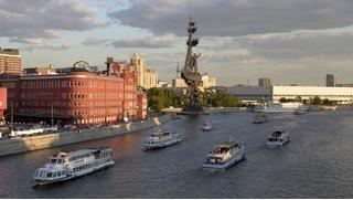 Речной трамвайчик! Прогулка по Москве-реке для одного или двоих на комфортабельном теплоходе «Фалькон»! Скидка 52%!