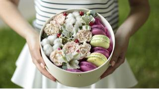 Делаем букеты и не только! Букеты из роз, тюльпанов и гвоздик, а также цветочные композиции от компании TedFlowers! Скидка 50%!