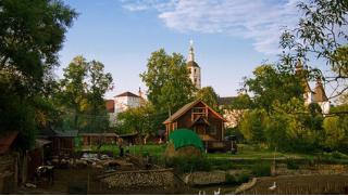 Экоотдых по купонам! Уютные коттеджи, фермерские завтраки, экскурсии, посещение бани на агроферме «Русское подворье»
