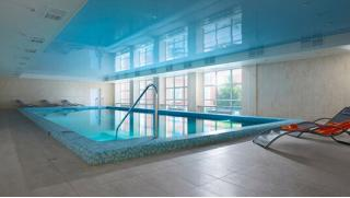 Пора уже расслабиться в Империале! Проживание для двоих в отеле: питание, бассейн, тренажерный зал, хаммам, сауна и не только!