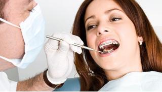 Установка имплантата Osstem, элайнеров Picasso и брекет-систем Damon Q или Damon Clear в стоматологической клинике «Магия»