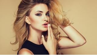 Скидки на услуги для волос от топ-стилиста! А еще маникюр, педикюр, коррекцию и окрашивание бровей в салоне красоты Elsobeauty!
