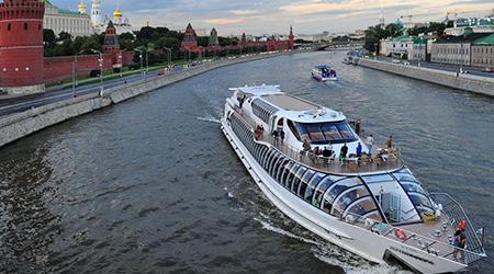 Путешествие по Москве-реке со скидкой до 51%!