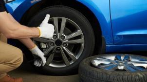 Купон дает скидку 69% скидки на шиномонтаж и балансировку четырех колес радиусом до R17 в сети автосервисов Acover!