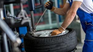 Нужно поменять резину? Шиномонтаж и балансировка колес от R13 до R19 в круглосуточном автосервисе SerBestM! Скидка 70%!