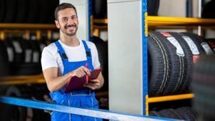 Сезонное хранение шин и дисков от Компании ssk12.ru со скидкой 58%! Всего 1800 руб за 6 месяцев хранения