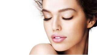 Увеличение губ филлерами, коррекция скул или коррекция носослезной борозды на выбор от компании Акварель!