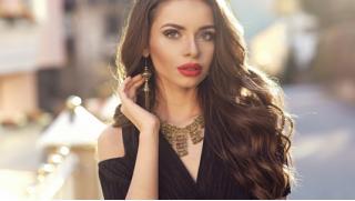 Стилист Ангелина Мартиросова! Парикмахерские услуги в салоне красоты Tatarkov Studio со скидкой до 85%!