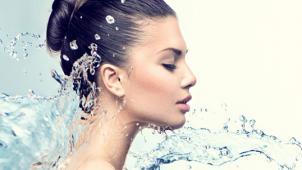 Все для лица! Ультразвуковая или комбинированная чистка лица, поверхностный пилинг, уход за кожей с угревой сыпью «Антиакне»