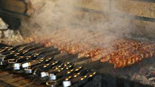 Здесь очень вкусно! Всё меню кухни и напитки в ресторане «Караван One» со скидкой 50%!
