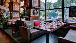 Наш Бергштайн! Все блюда и напитки в ресторане «Бергштайн» со скидкой 50%! Вкусно есть и хорошо отдыхать!