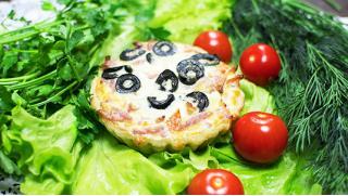 Вкусняшки! Перепечи от службы доставки «Фантазия»! С курицей и грибами, с сыром, с творогом и изюмом, с яблоком и корицей!