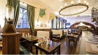 Все меню и напитки в ресторане Brauhaus G&M на «Менделеевской» со скидкой 50%! Здесь есть где разгуляться душе
