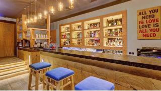Специально для тебя скидка 50% на всё меню и напитки без ограничения суммы чека в ресторане-караоке «Шиша»!