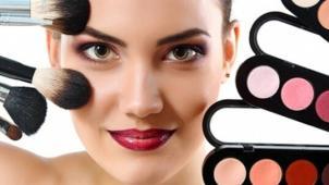 Мастер-классы и курсы визажа в школе Pretty Woman! «4 основных вида макияжа», Pin Up, «Сам себе визажист» и другие!
