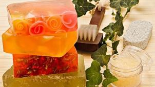 Скидка до 61% на Мастер-классы по мыловарению, изготовлению свечей, кремов и бальзамов для губ в студии «MagicHands»