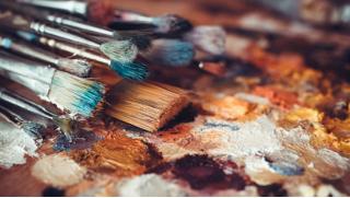 Возьми кисть и твори! Живопись маслом, акварель, скетчинг или графика! Обучение в школе рисования «Возьми Кисть» со скидкой 61%!