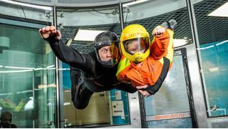 Лети со мной! Полет в аэротрубе в крытом аэродинамическом комплексе «Свободный полет» со скидкой 51%!