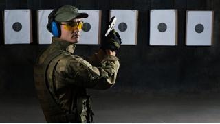 Для взрослых и детей! Стрельба из винтовки, пистолета, револьвера, пулемета, лука или арбалета в тире Air-Gun!