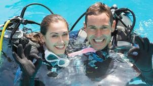 Научим плавать с аквалангом! Базовый курс дайвинга для одного или двоих от дайвинг-клуба «Альтернатива»! Скидка 65%!