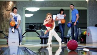 Боулинг в Измайлово! 2 часа игры в боулинг в центре «Боулинг Измайлово» для компании до 6 человек в будни и выходные!