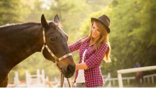 Прогулки на лошадях в будни и выходные в частном конном клубе «Усадьба» в Марфино! Скидка до 74%