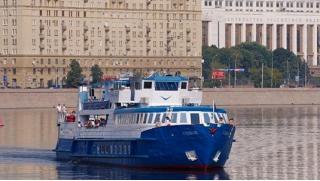 Лучшие развлечения! 2-х часовая прогулка с обедом на теплоходе «Денис Давыдов» от «Русской пароходной компании»! Скидка 51%!