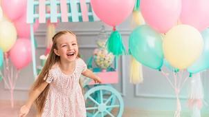 Радость для всех! Гелиевые шары с обработкой Hi-Float, композиции из воздушных шаров от компании «Шут и Ко»