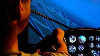 Лети, пилот! Выполнением фигур высшего пилотажа в учебном центре «Небо Москвы» на авиационном симуляторе с кабиной!
