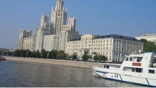 Устроим праздник! Скидка до 59% на прогулки по Москве-реке с экскурсией и ужином на теплоходе от «Праздник на воде»!