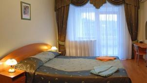 Отдых в Крыму с проживанием в гостевом доме «Партенит»! Размещение в двух или трехкомнатных номерах, питание!