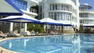 Спа-отдых для двоих в отеле Majestic в Алуште! Заезды по 30.04.2019 в Номера «Стандарт», «Полулюкс» или «2-комнатный люкс»!