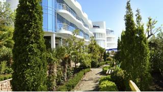 Заезды с 30 апреля по 10 мая! Spa-отдых для двоих в отеле Majestic в Крыму 3-разовое питание, романтический ужин! Скидка 50%!