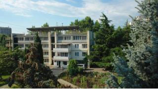 Скидка 50% на отдых в санатории «Славутич»: номера на выбор, 3-разовое питание, полный курс лечения, соляная комната!