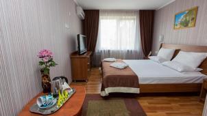 Алушта! Отдых в санатории «Славутич»: номера на выбор, 3-разовое питание, полный курс лечения, соляная комната и не только!