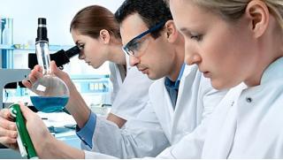 Комплексное обследование у гинеколога, дерматовенеролога или уролога в лечебно-диагностическом центре «Альтернатива»