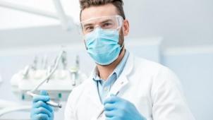 Стоматологическая клиника Доктор Каро! Реставрация передних зубов, лечение кариеса, установка пломбы или гигиена полости рта!