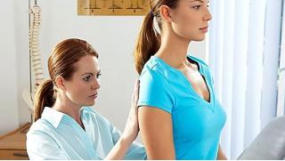 Лечим спину! Консультация врача-ортопеда или мануального терапевта, УЗИ позвоночника и лечебный массаж спины!