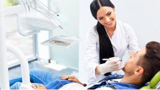 Вернем здоровье Вашим зубкам! Лечение кариеса в клинике «Нева-Дент» со скидкой 72%