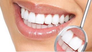 УЗ-чистка зубов, полировка и покрытие фторгелем в клинике «Нева-Дент» со скидкой 59%! Белоснежная улыбка для Вас