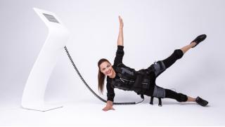 Будь спортивна и красива! Три EMS-тренировки для неё всего за 3000 руб в Сети женских клубов! Скидка 60%!