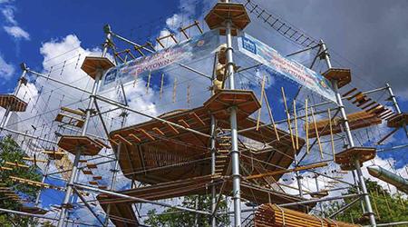 Купон на Новогоднюю Елку «Тайна снежной башни» в парке Sky Town!